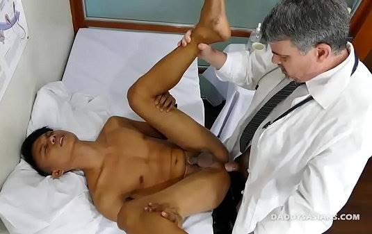 Sexo com medico gay
